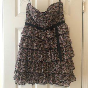 Floral print ruffled strapless dress